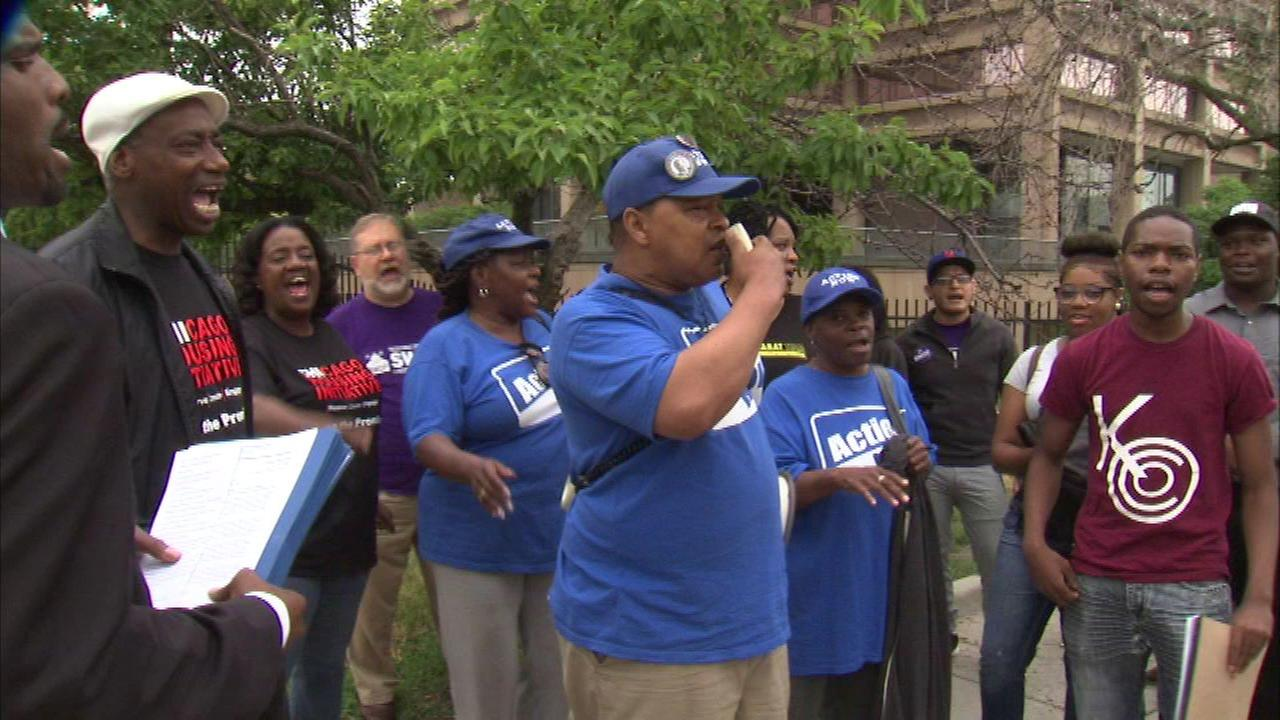 Community, church leaders demand Rauner fund summer jobs program