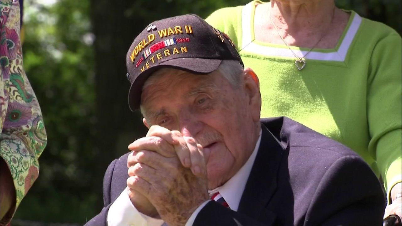 Chicago area WWII vet receives France's Legion of Honor medal