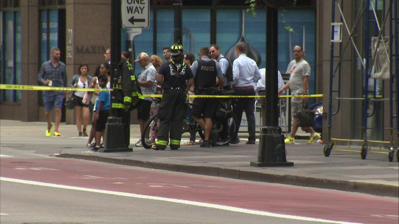 A window came crashing to the ground in Chicagos Loop Thursday morning.