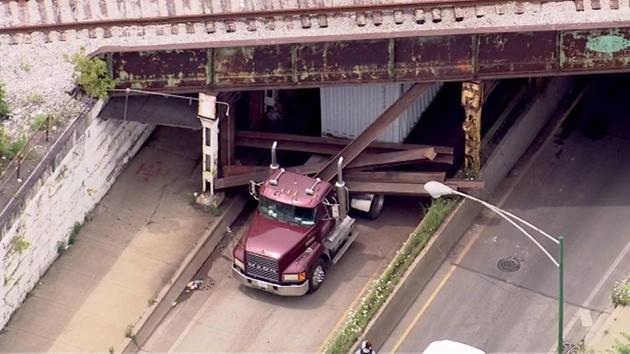 MEC&F Expert Engineers : Semi-truck knocked out several