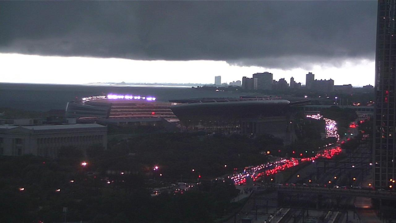 Chicago Weather: Severe weather causes Soldier Field fans to take shelter