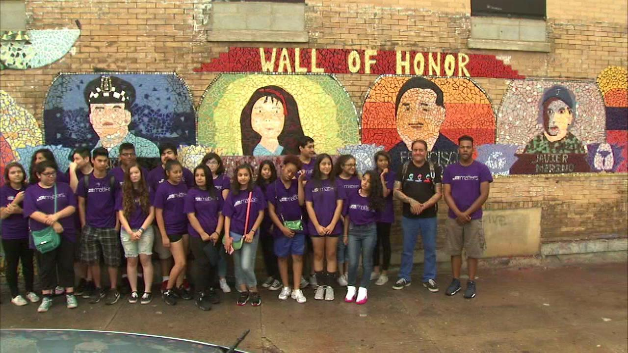 Glass mosaic unveiled in Pilsen