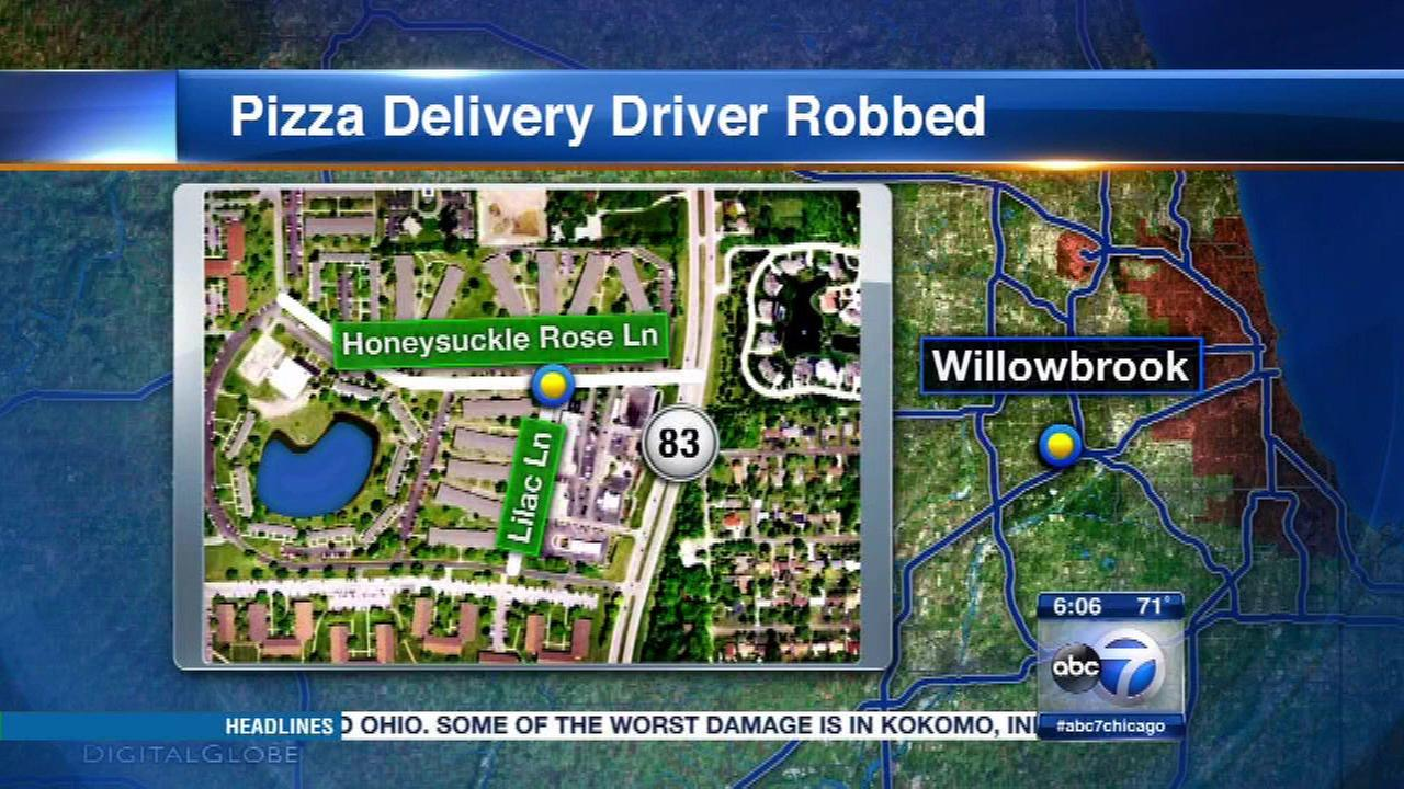 Pizza delivery driver robbed at gunpoint in Willowbrook