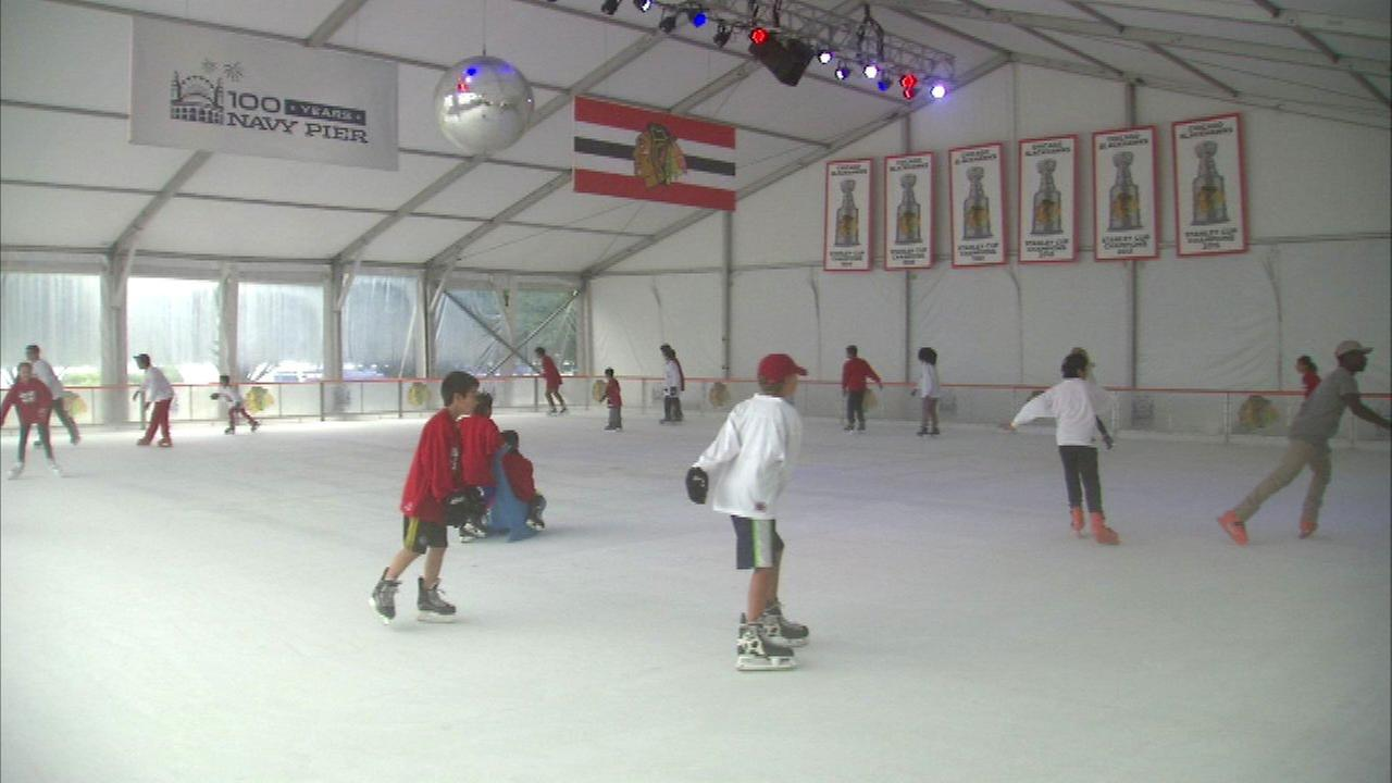 Blackhawks partnering with Navy Pier ice rink