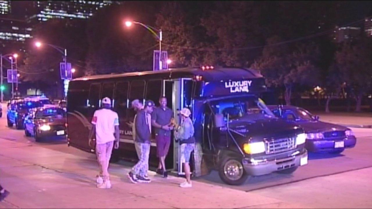 Man shot in Grant Park near Buckingham Fountain