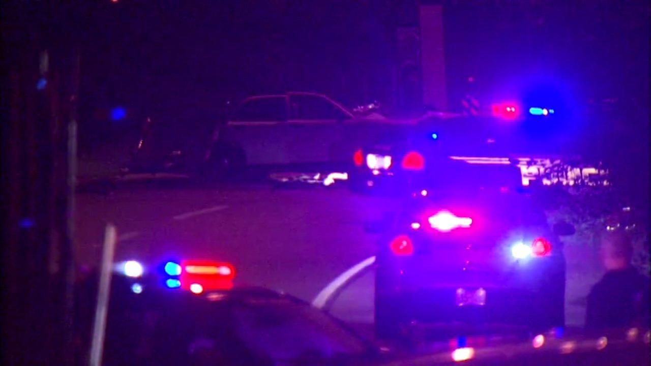 1 killed, 1 injured in I-294 crash in Hickory Hills