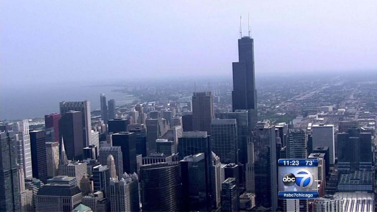 Chicago makes list of top 25 cities where pay goes furthest