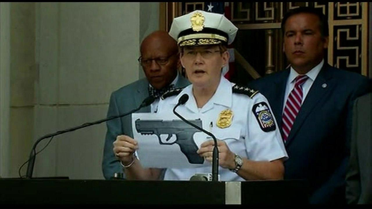 At a news conference Thursday, Police Chief Kim Jacobs displayed a photo of what she called a replica of the BB gun that Tyree had.