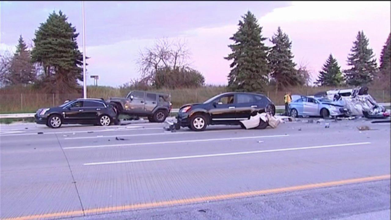 8 hospitalized in 7-vehicle crash in Gurnee
