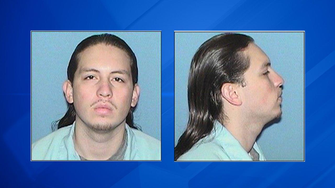 Police: Man wanted for Aurora murder is armed and dangerous