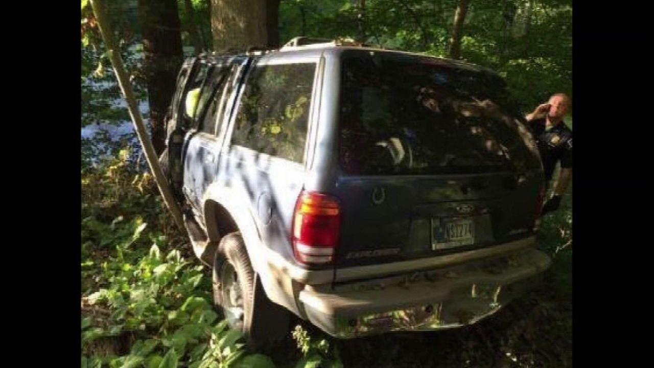 Man crawls to road 3 days after Indiana crash that killed his girlfriend