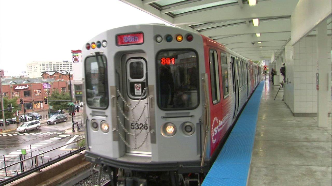 CTA Red Line trains standing at Cermak-Chinatown
