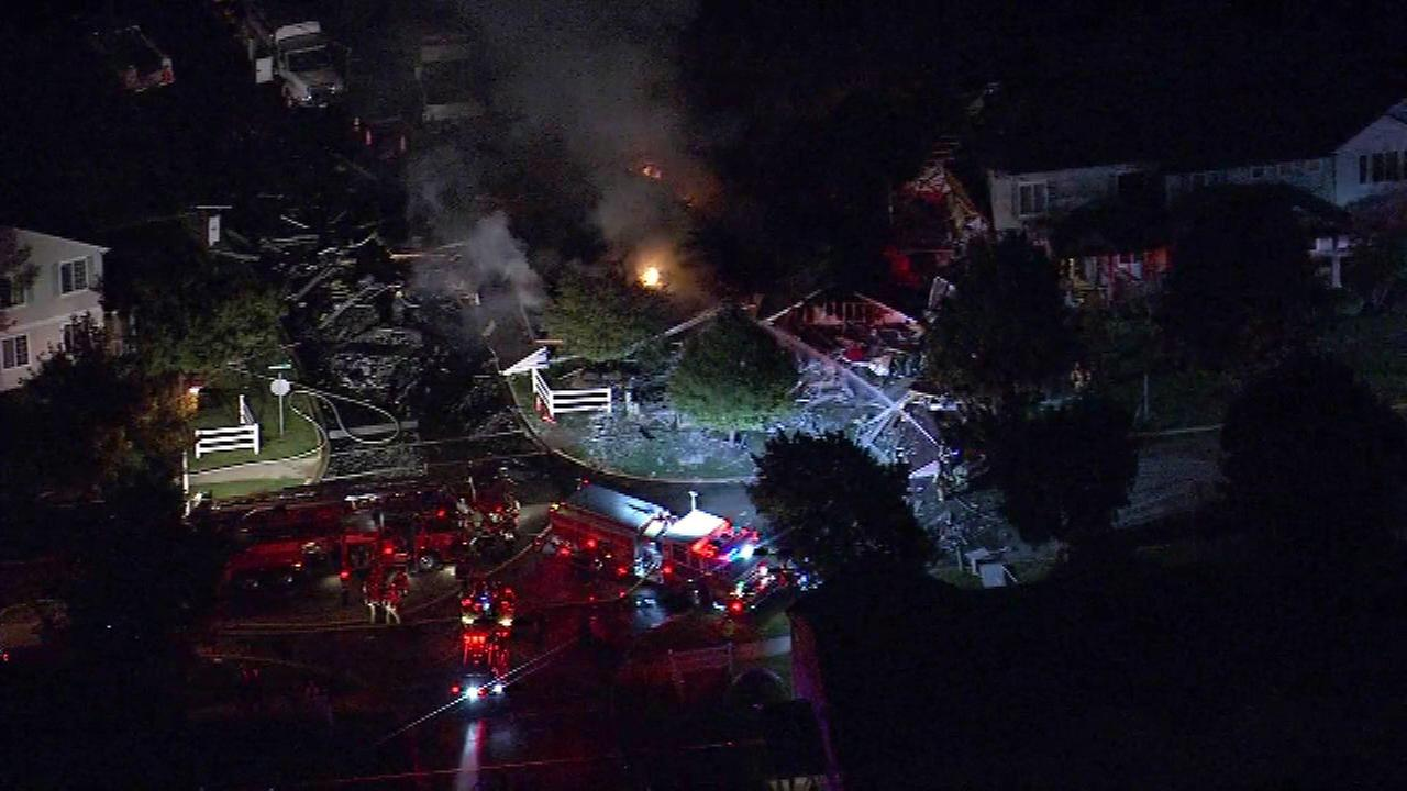 Gas leak causes explosion in Chicago suburb