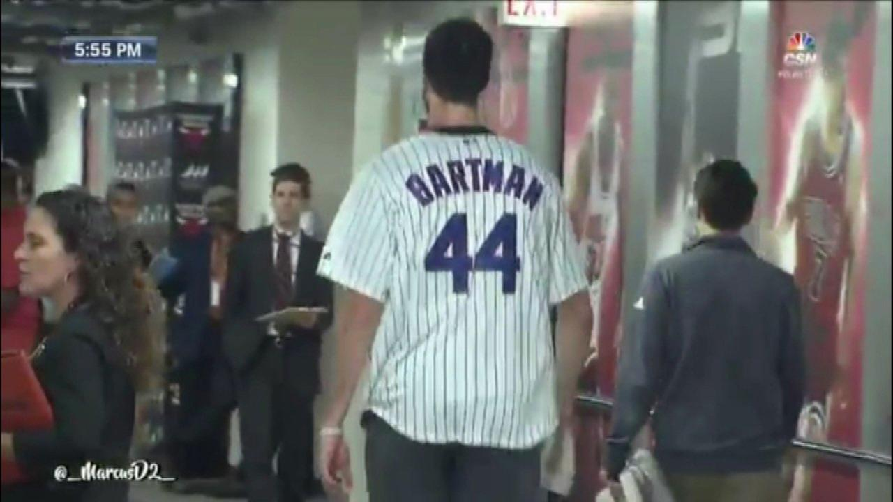 Hornets' Frank Kaminsky trolls Cubs with Bartman jersey