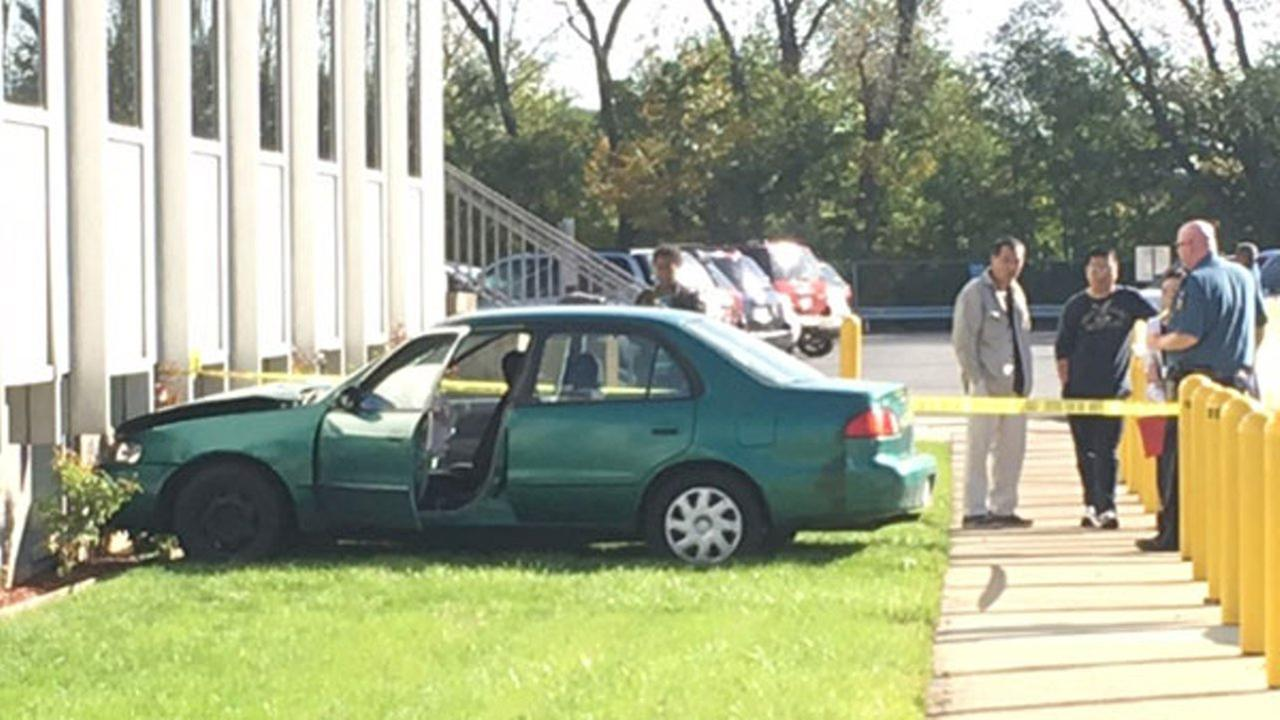A student driver lost control of a car and slammed into a Secretary of States facility on Chicagos South Side.