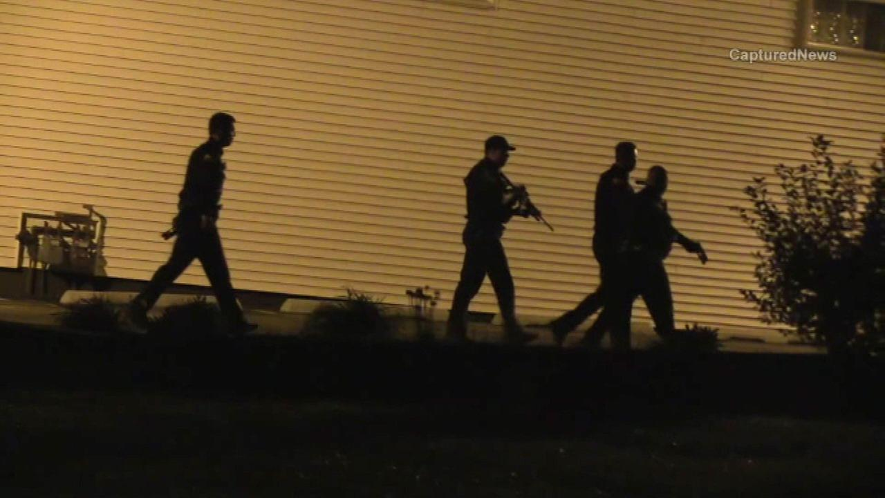 Chicago police see shooting, exchange gunfire with suspects