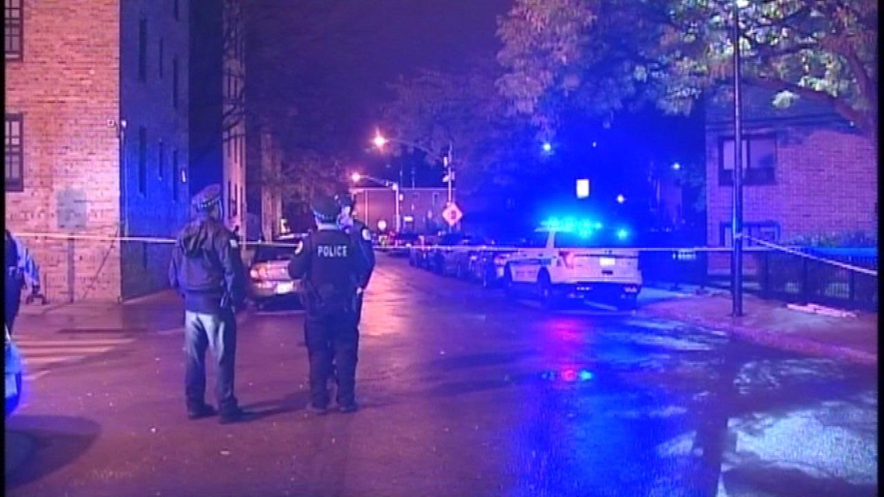 At least 17 dead in Chicago's street violence over weekend