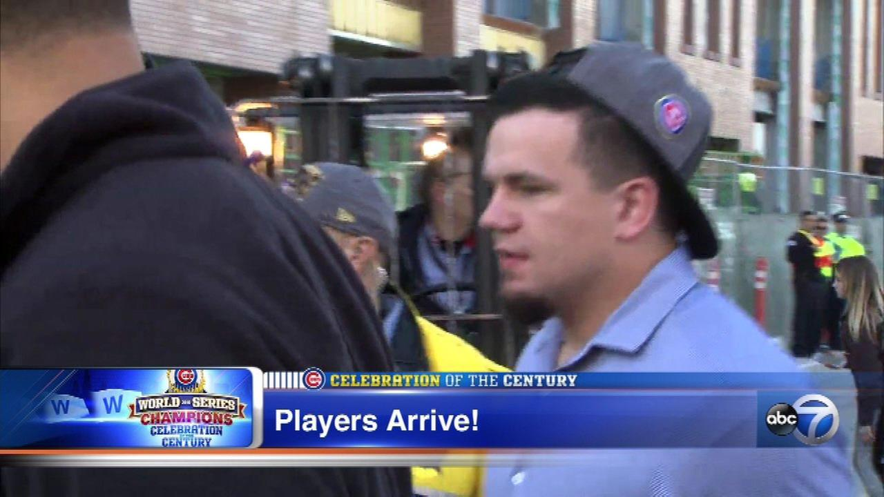 Kyle Schwarber arrives