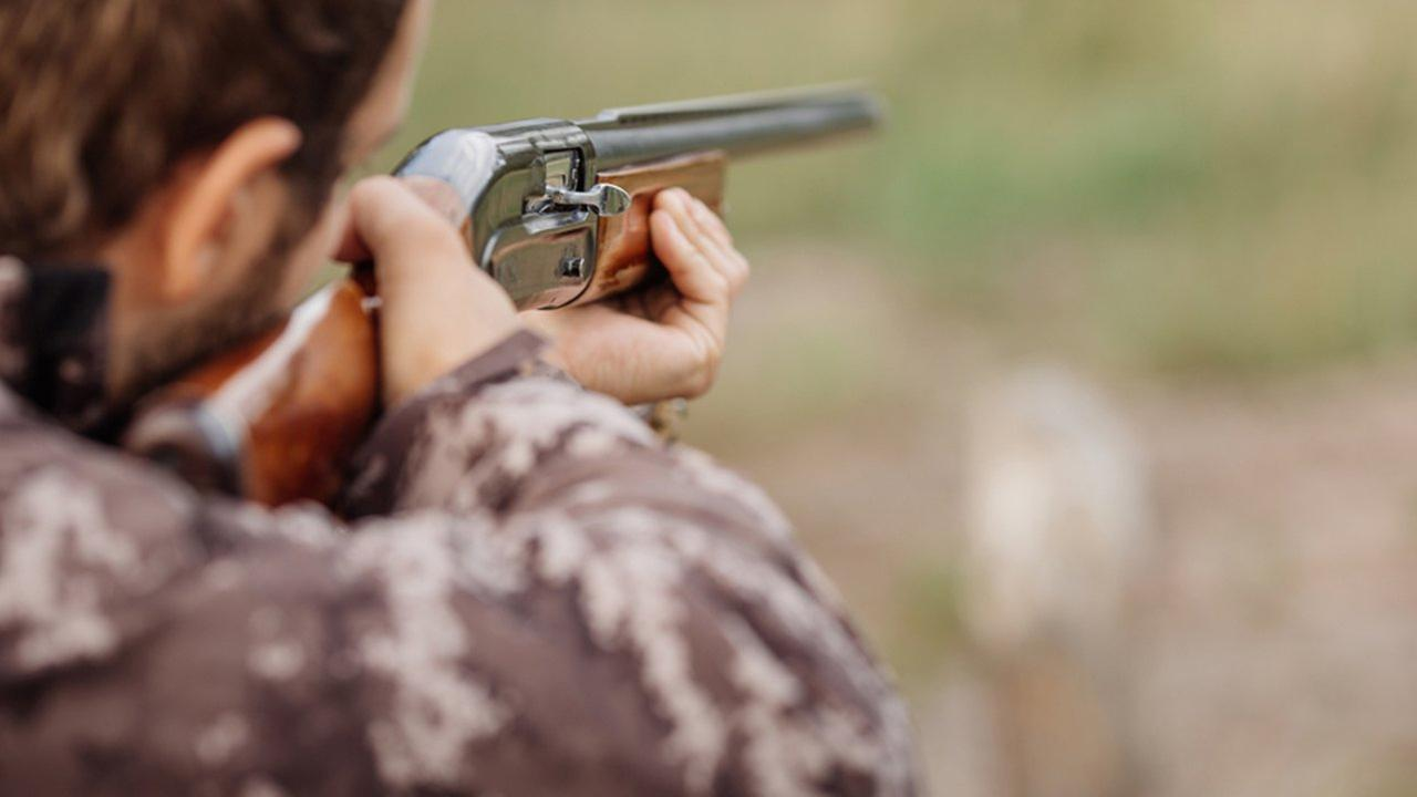 Son fatally shoots his father in hunting accident