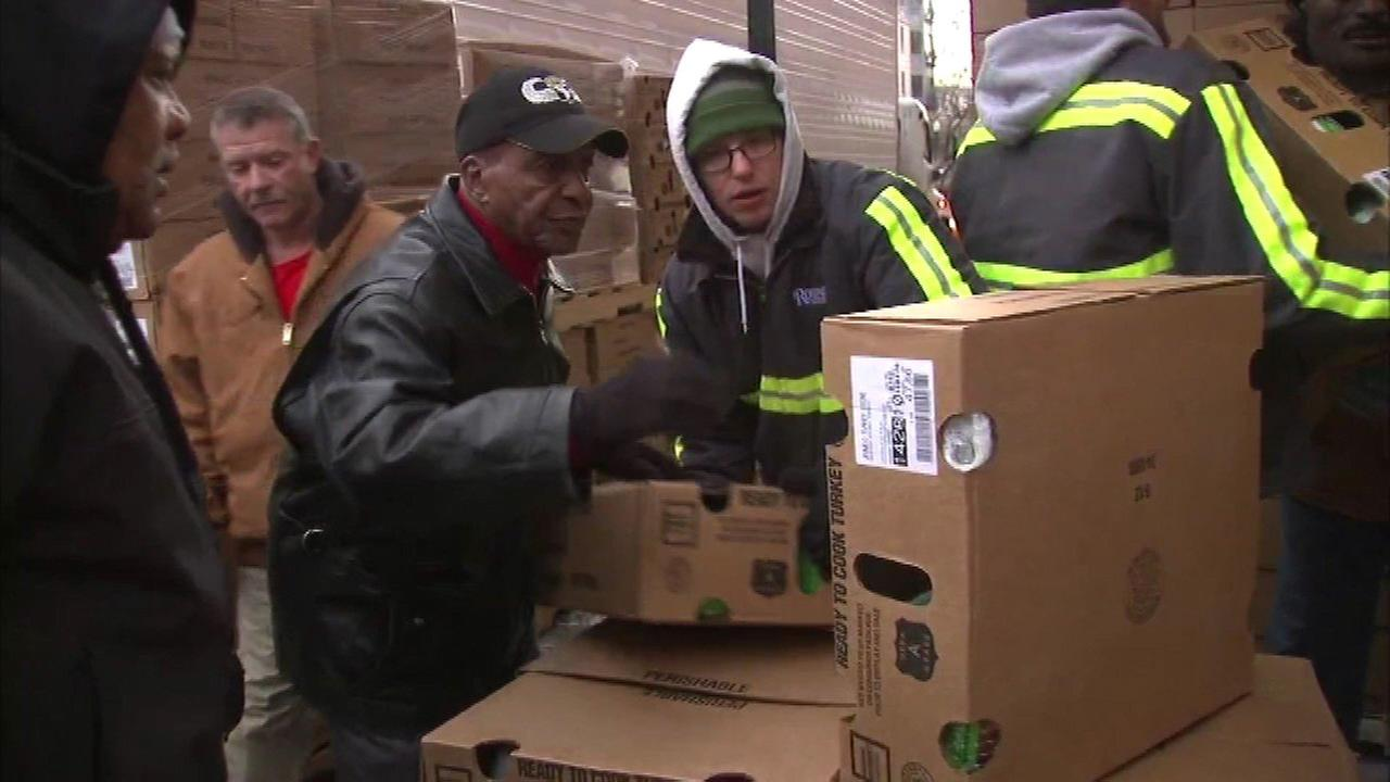 Jesse White to give 17,000 hams, turkeys to senior citizens, families in need