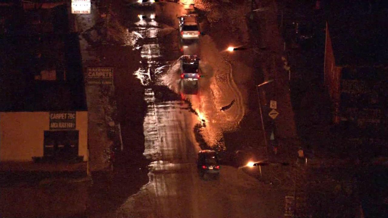 Water main break floods Northwest Side streets