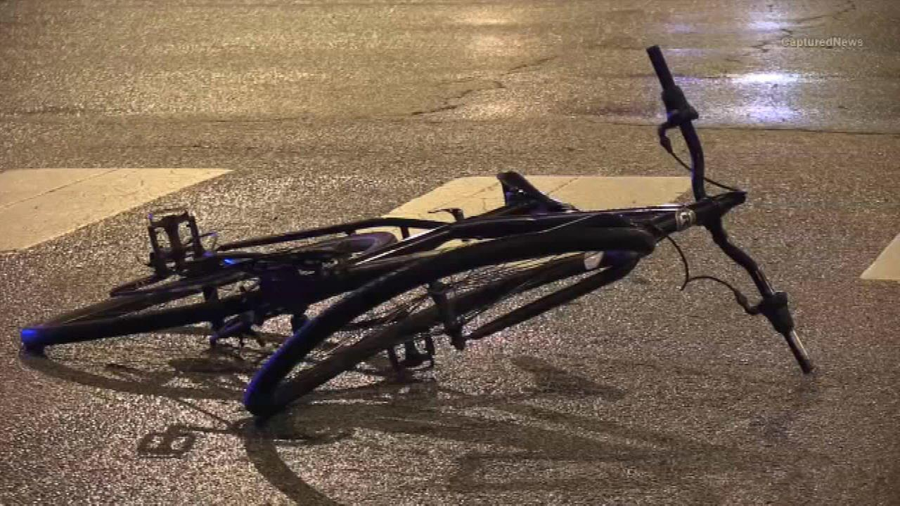 Bicyclist fatally struck by car in Humboldt Park