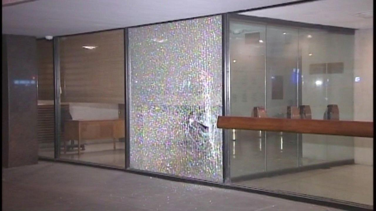 Windows broken, swastikas placed at Chicago synagogue