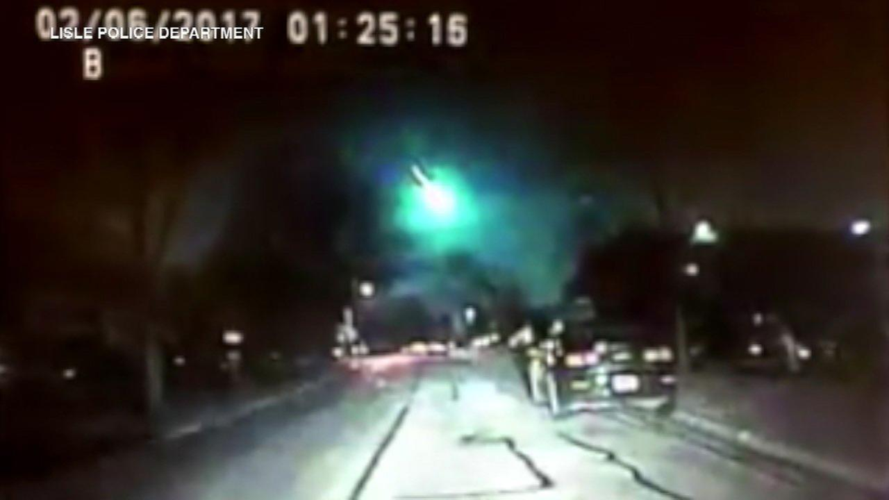 Meteor lights up sky over Midwest