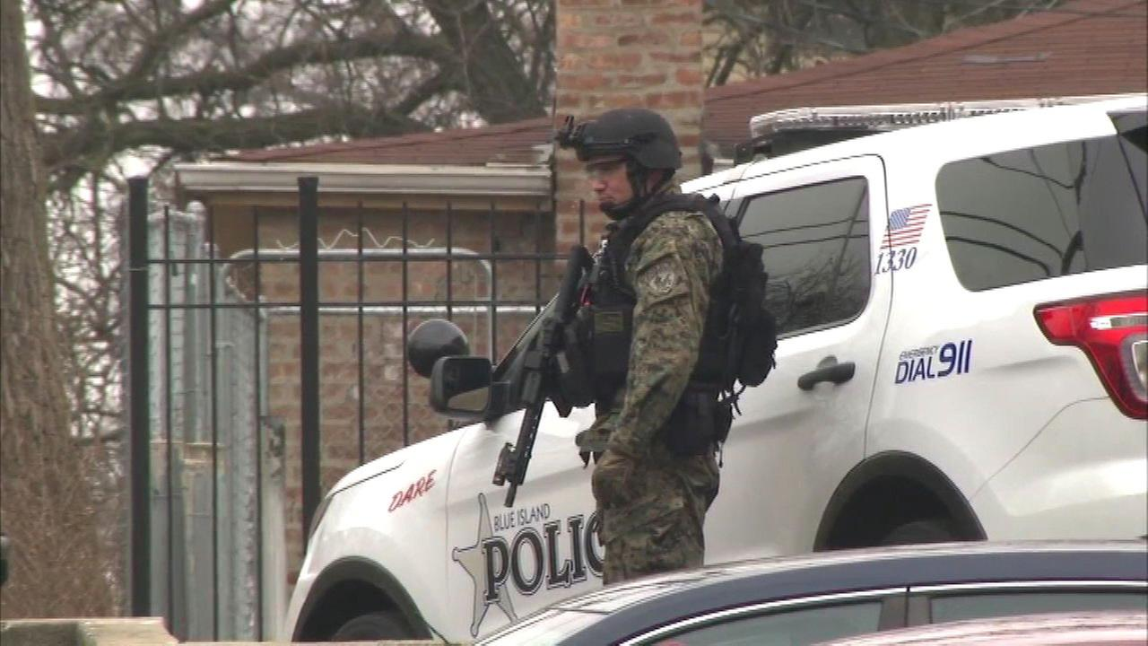 Illinois State Police and other local authorities responded to a barricade situation in south suburban Blue Island Wednesday morning.