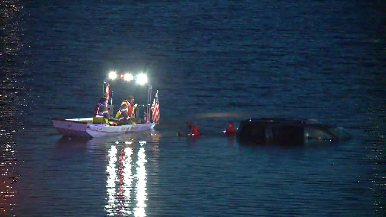 Infant saved from submerged SUV in Illinois lake