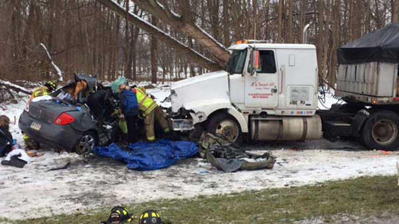 Ups Fedex Truck Crash – images free download