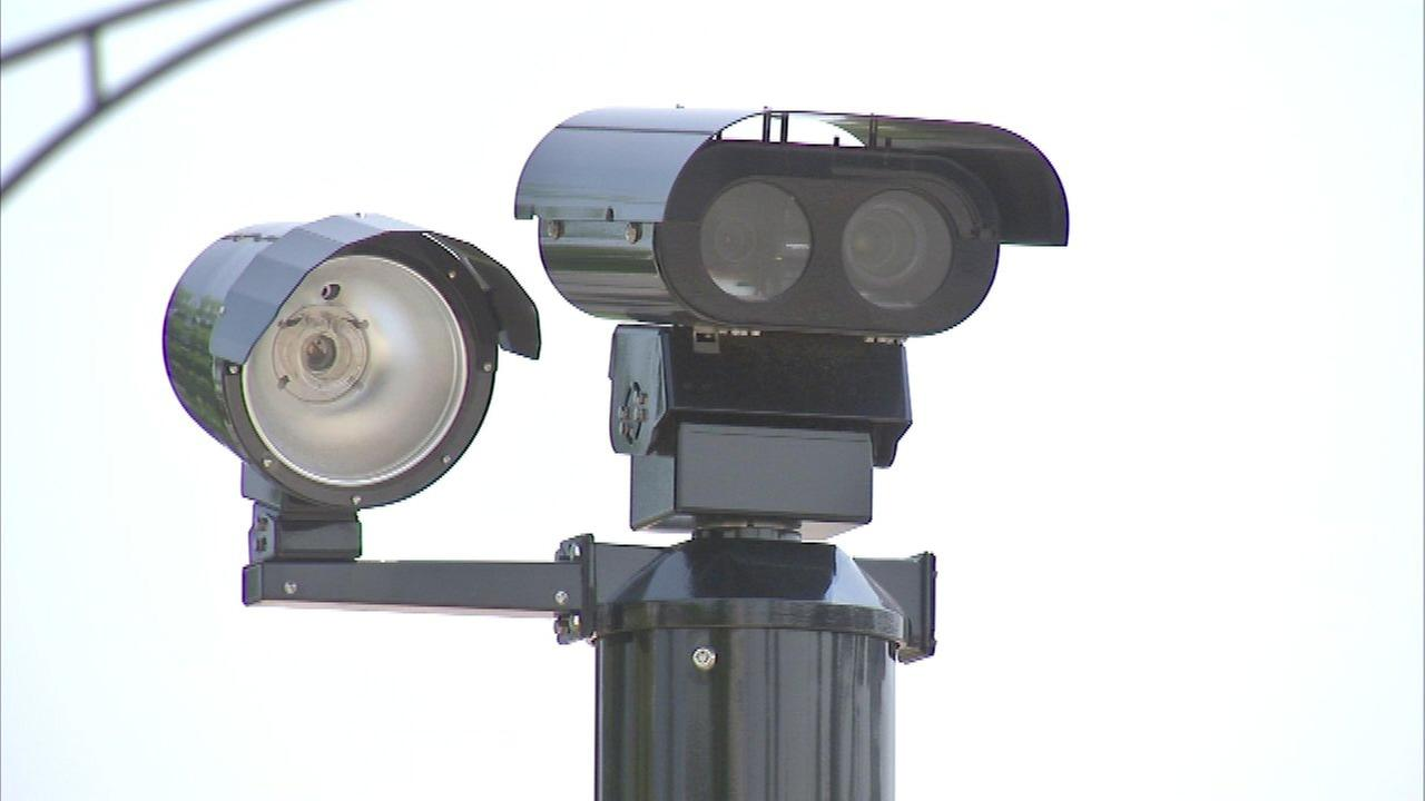 Study: Red light cameras make Chicago streets safer; some may be relocated