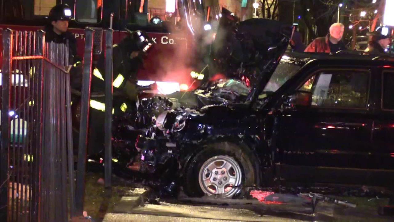 SUV strikes gas meter, sparks fire in West Garfield Park