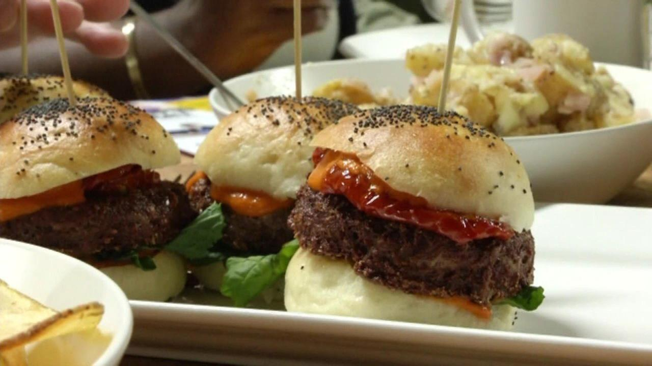 Meatless burger big hit in California, company to open factory