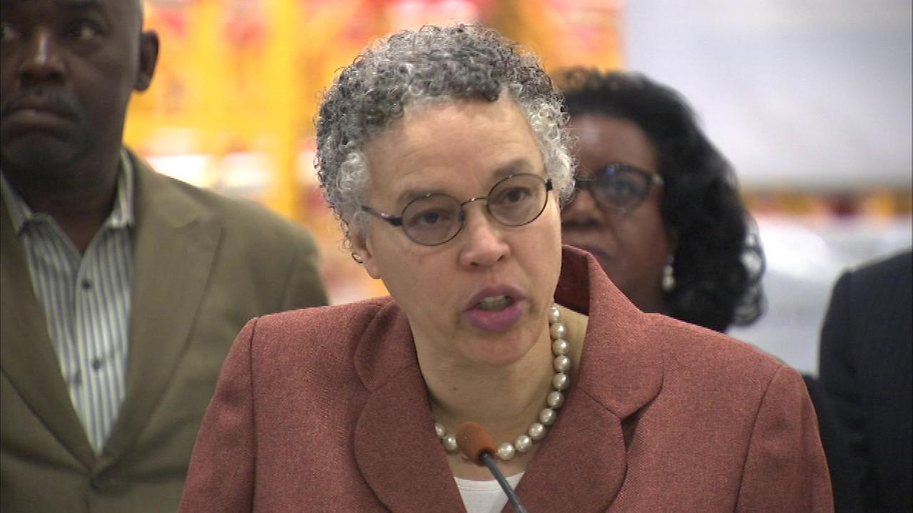 Democratic Cook County Commissioner accuses Preckwinkle of