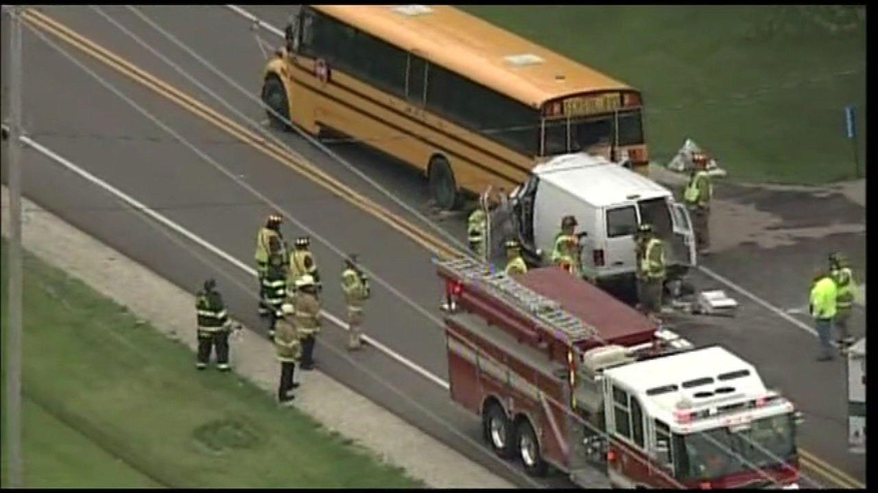 Person from Antioch killed in Wis. Van crash into school bus