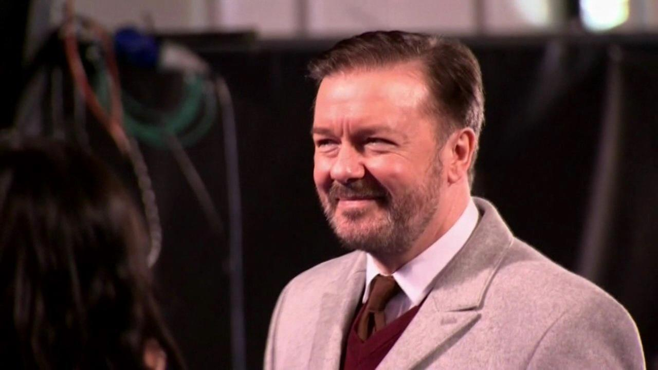 Comedian Ricky Gervais donates $20K to Chicago organizations