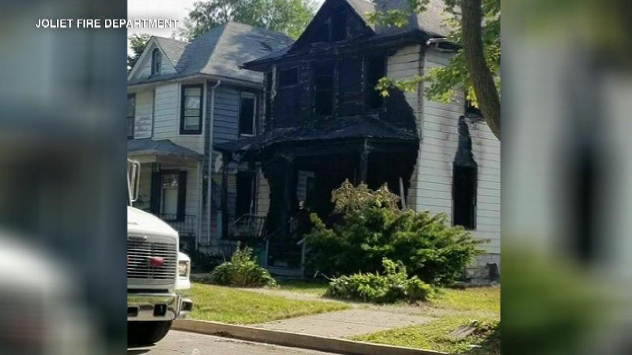 3 dead in Joliet house fire