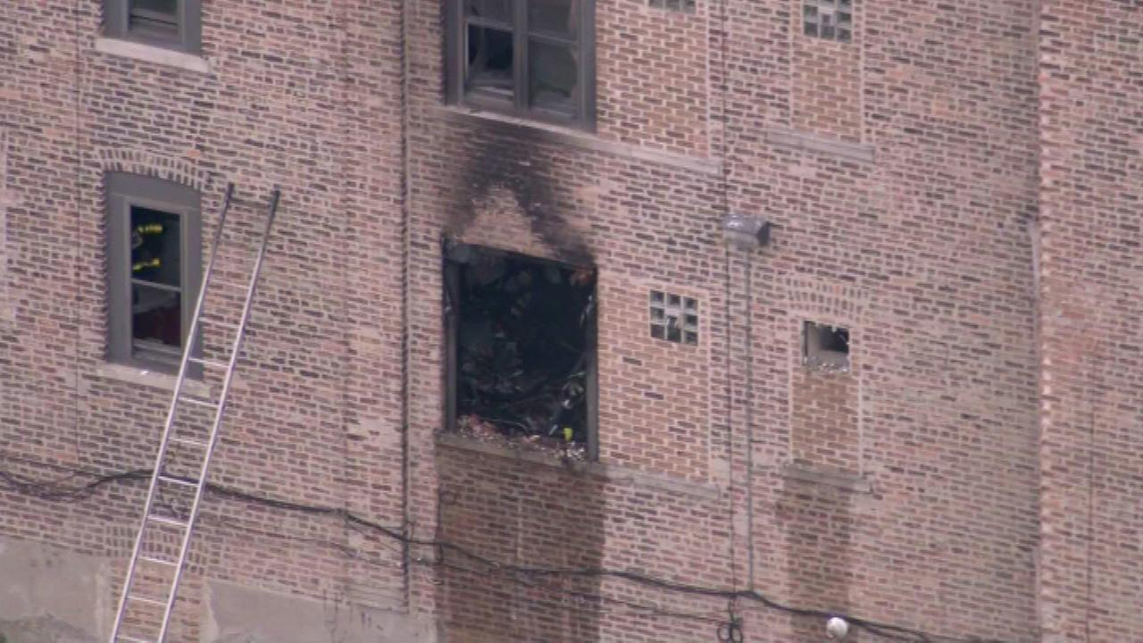 Man killed in Lawndale apartment fire