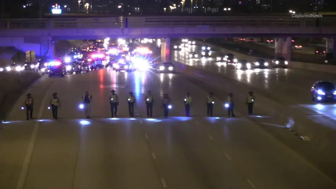 Car hit by gunfire on Dan Ryan Expressway