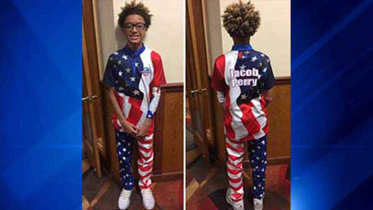 Jacob Travis Perry, 13, wins Bowlers Choice Award for Epic Swag at 2017 Junior Gold Championship.