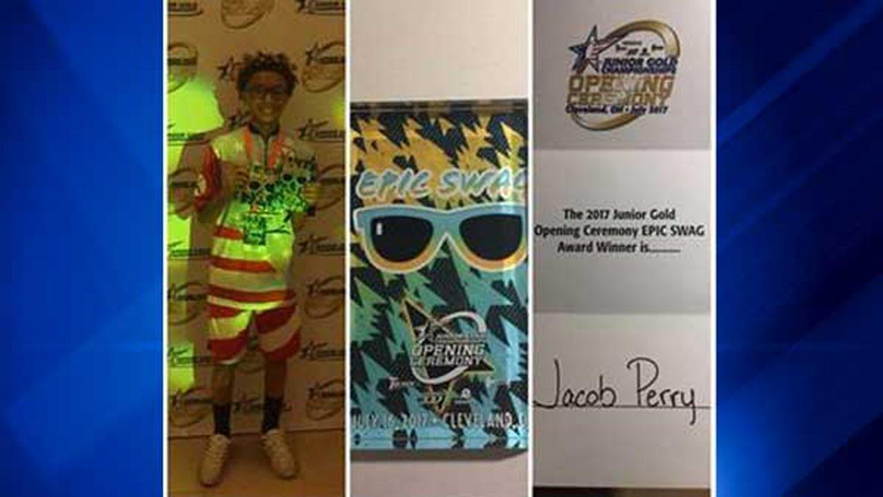 Jacob Travis Perry, 13, wins Bowlers Choice Award for Epic Swag at 2017 Junior Gold Championship. Travis E. Perry