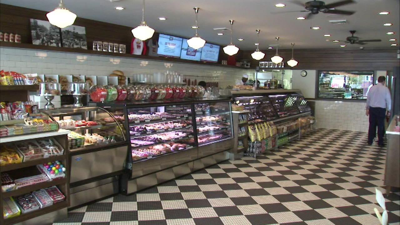 Mannys Deli and Cafeteria.