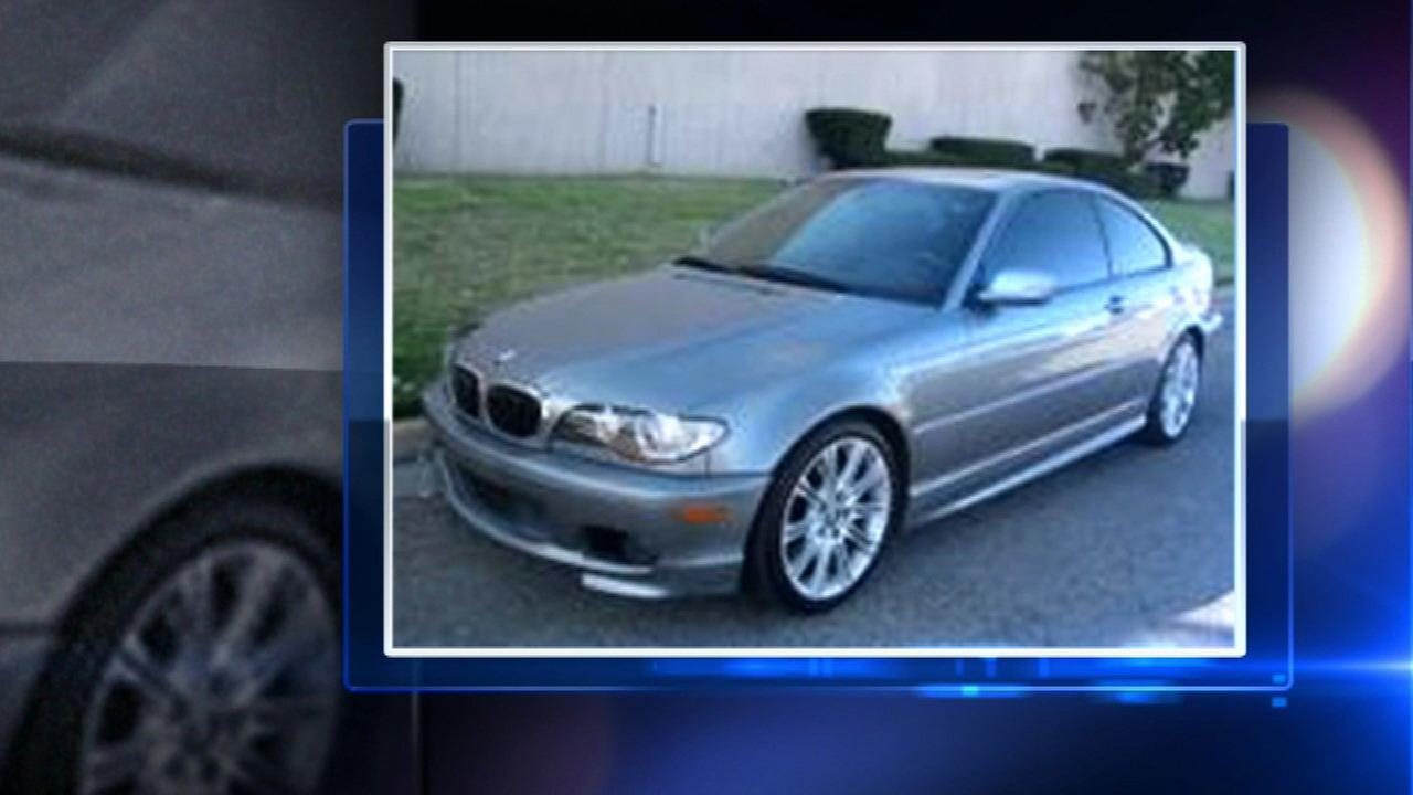 Police searching for car involved in East Garfield Park hit and run
