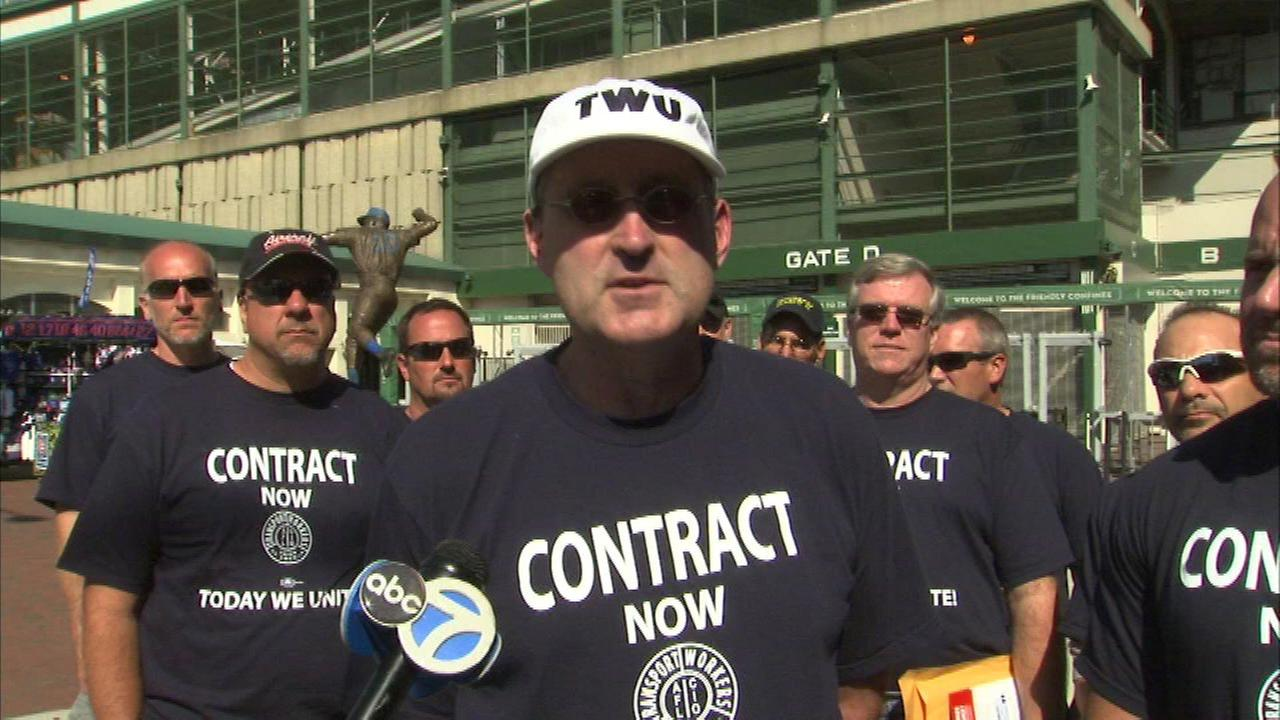 American Airlines mechanics protest outside Wrigley Field