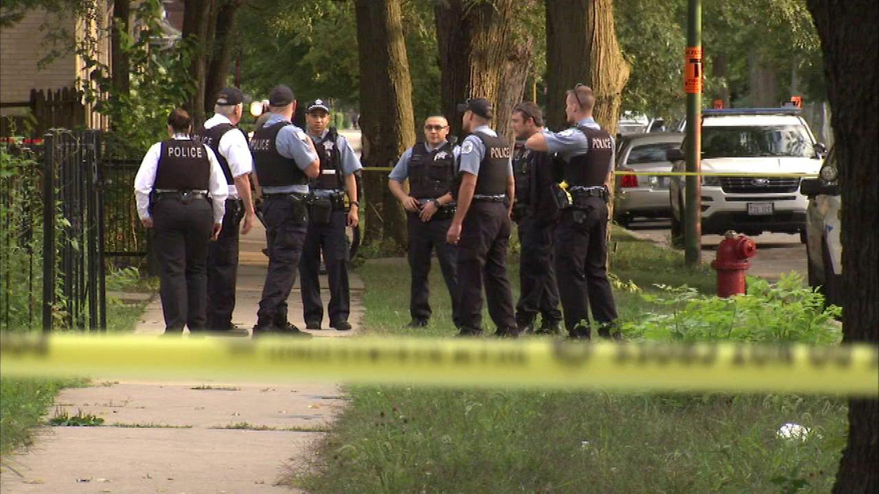 14-year-old boy killed in South Chicago shooting