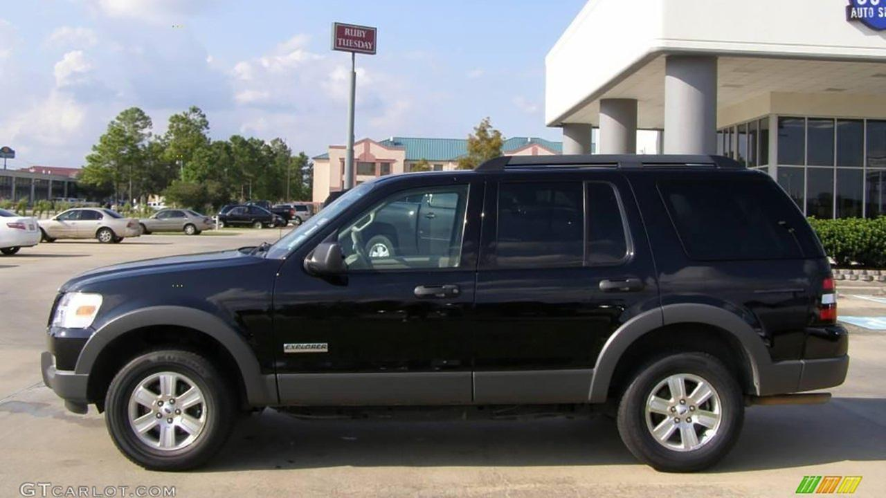 A sample image of a Ford Explorer SUV similar to the one used by the suspect in an abduction and sexual assault in Chicagos East Side neighborhood Thursday. Chicago