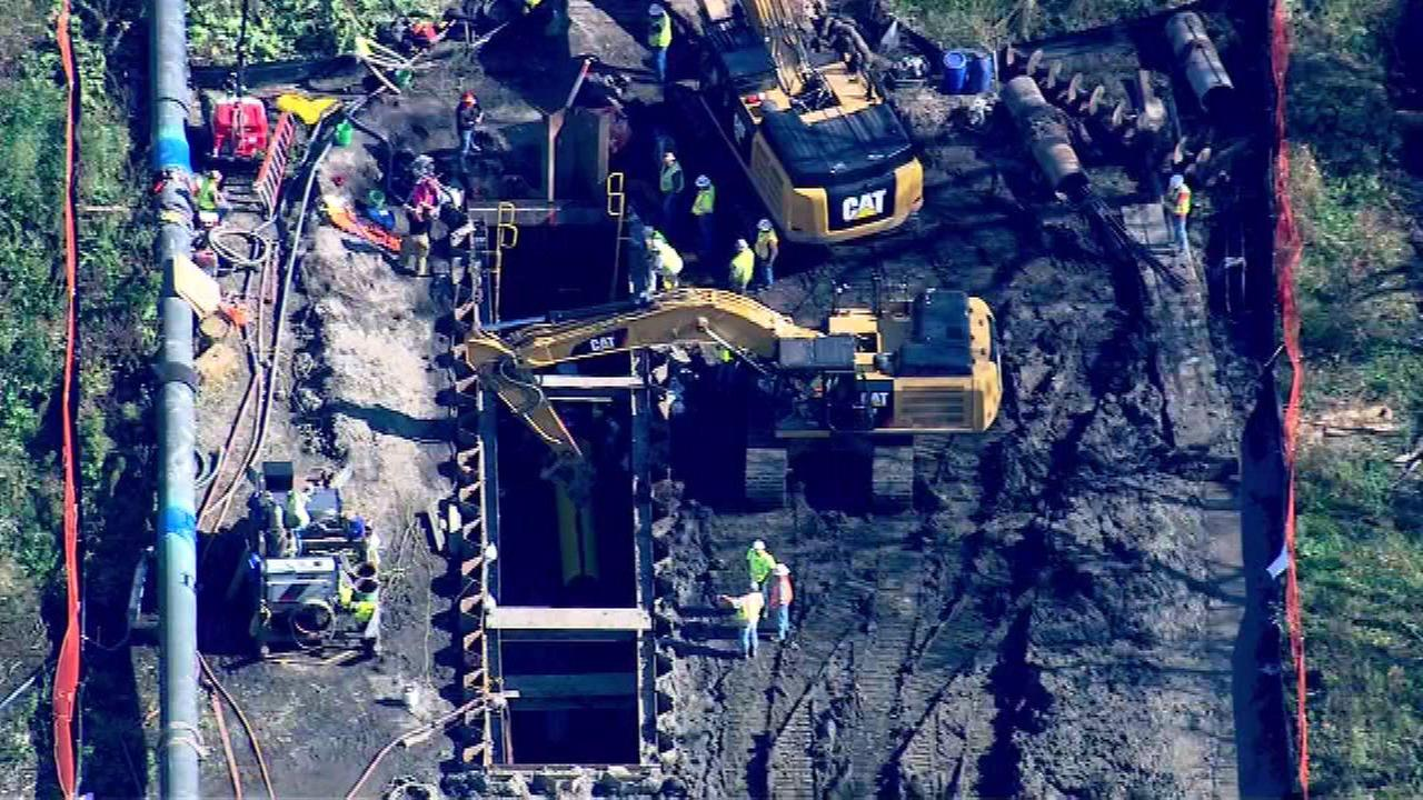 2 Workers trapped in hole in Pingree Grove rescued