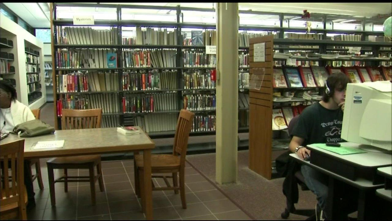 Comcast donating $250K to 3 Chicago Public Library branches