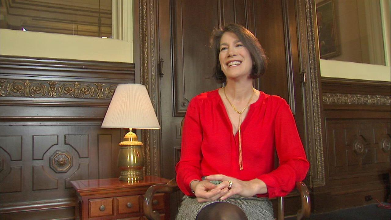 Diana Rauner announces 2017 military holiday card drive